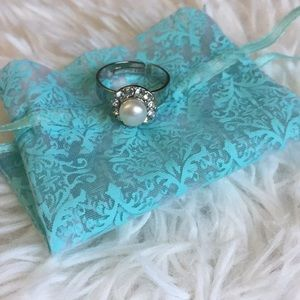 Faux Silver Diamond Pearl Ring